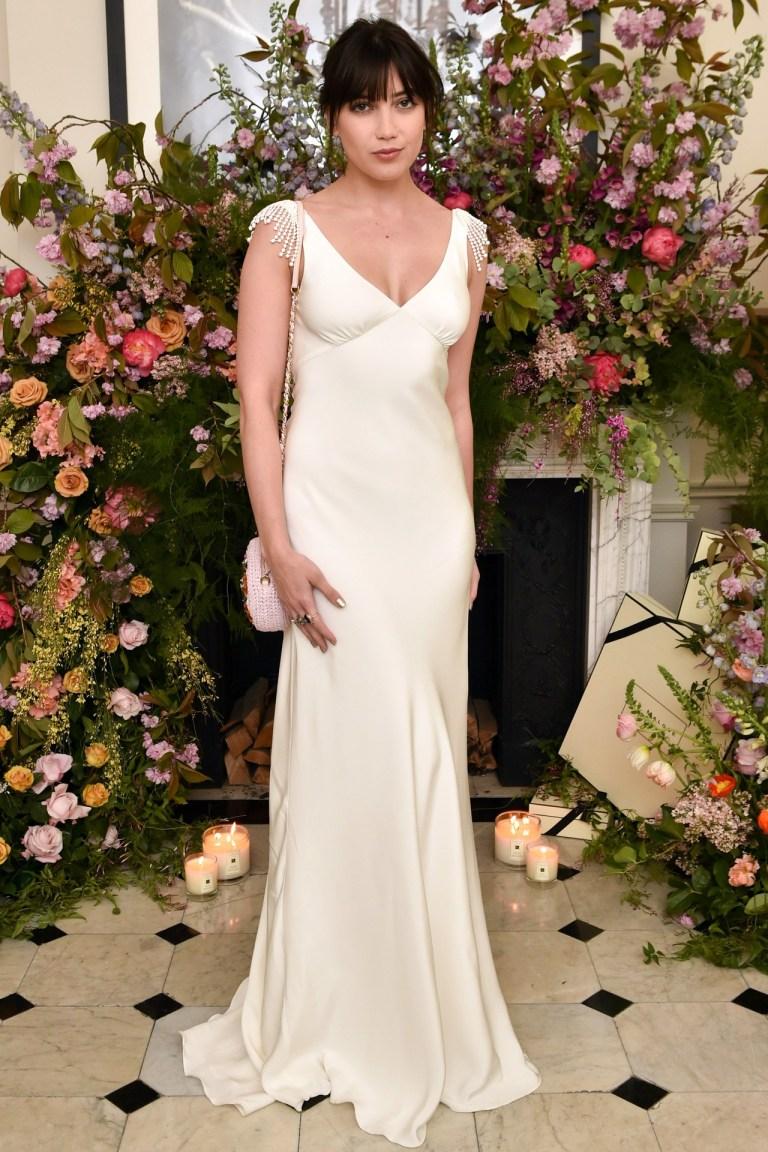 Daisy-Lowe-Vogue-24Apr15-Rex_b