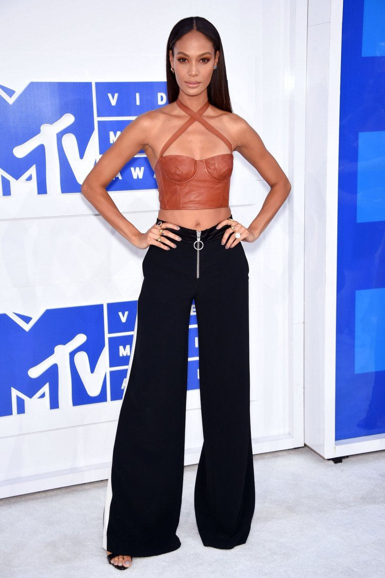 joan-smalls-mtv-vmas-2016