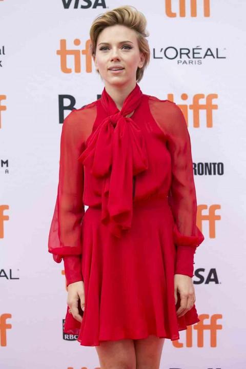 Scarlett-Johansson-at-TIFF-2016.jpg