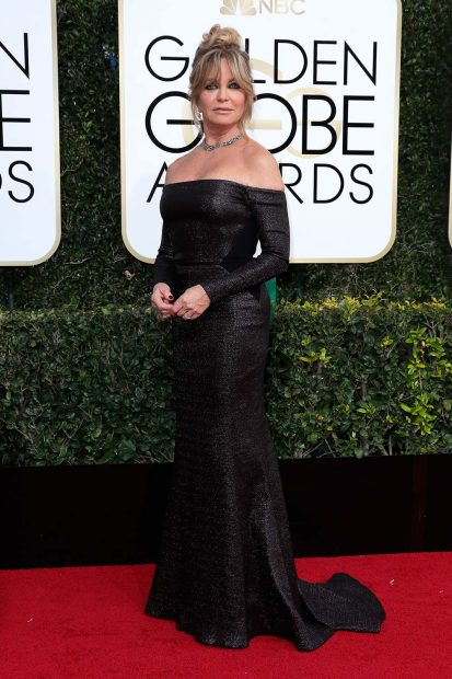 goldie-hawn-golden-globe-awards-globes-2017-red-carpet-22-413x620