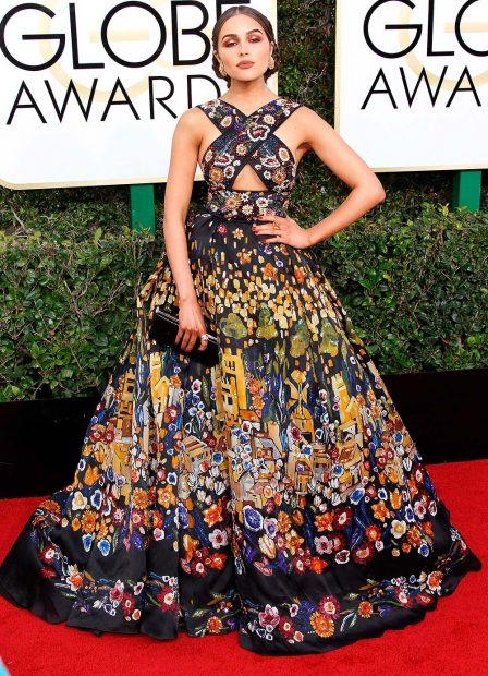olivia-culpo-golden-globe-awards-globes-2017-red-carpet-87-448x620